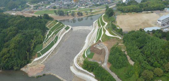 推込分水路掘削護岸工事