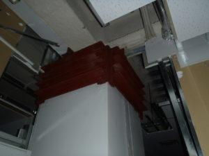 最上階:柱頭鋼板補強