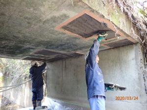 断面修復工(左官工法) ポリマーセメントモルタル コテ塗り状況